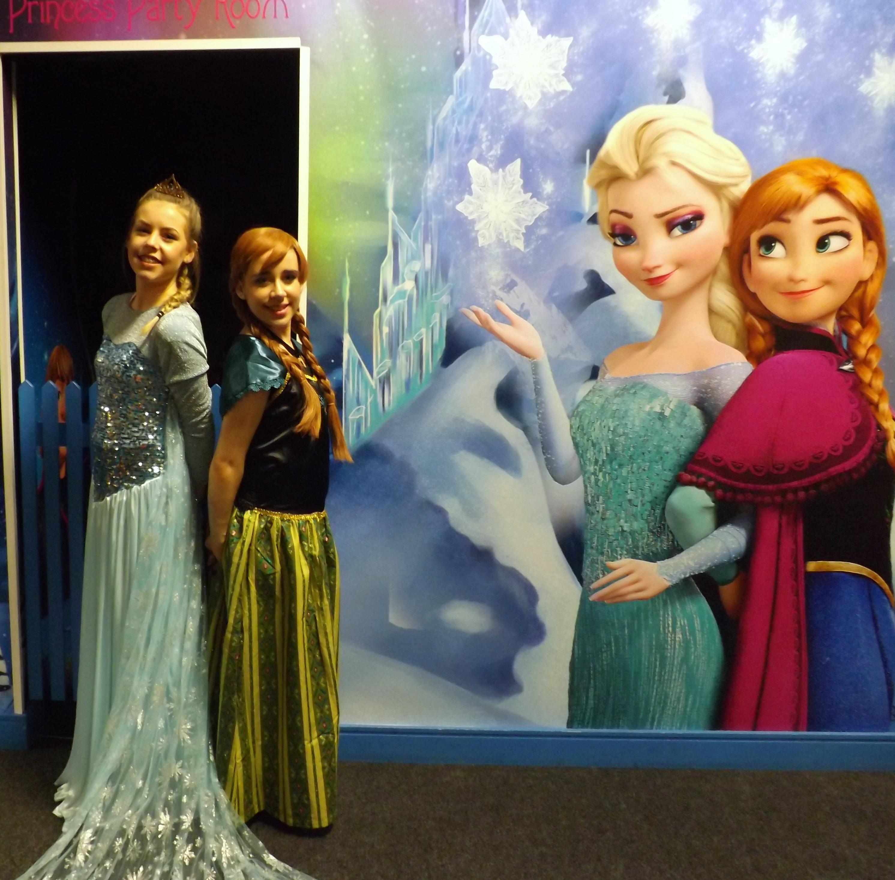 Ana and Elsa3